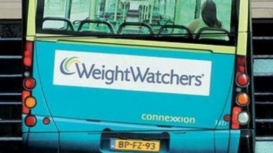 Street marketing Weight Watchers réalisé sur un bus